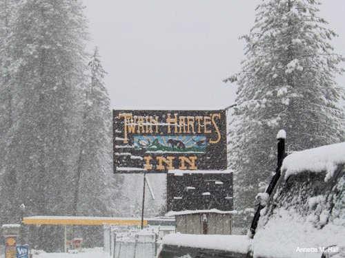 Twain Harte Inn Sign