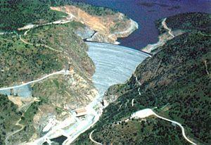 English: The New Melones Dam on the Stanislas ...